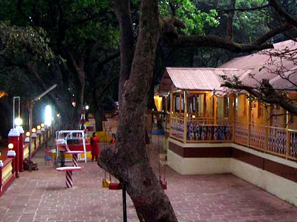 Budget Hotels In Matheran Near Market