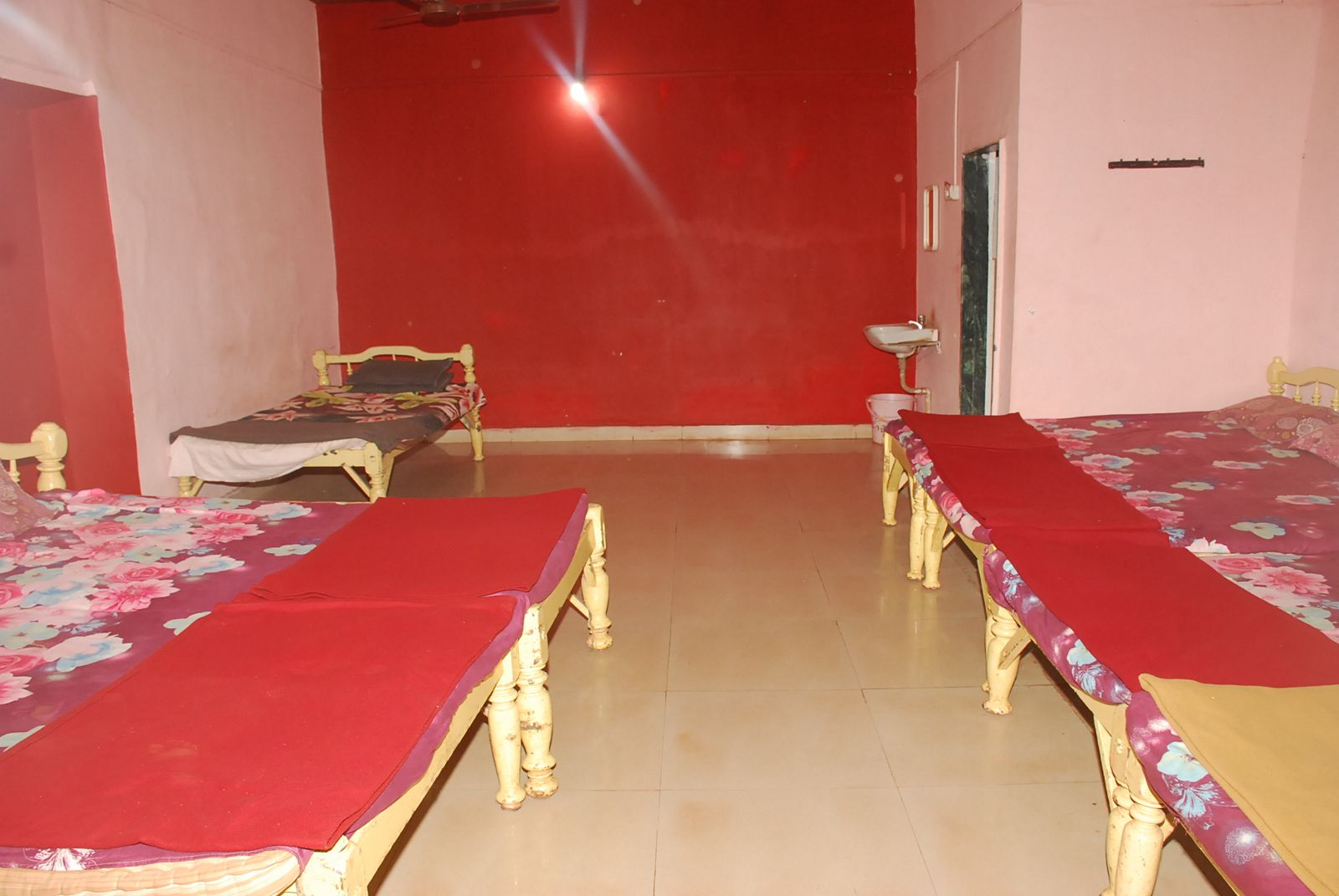 10 Bed Room